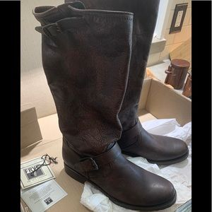 Brand New Women's FRYE Veronica Slouch Tall boots